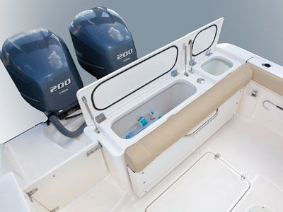 C 260 transom featuring livewell and storage box