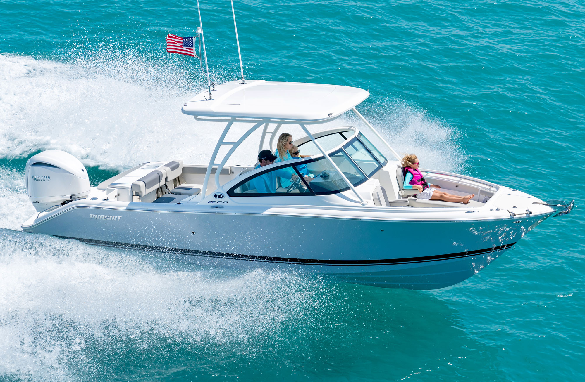 DC 246 dual console boat