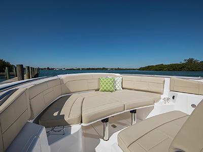 S 328 Sport boat forward sunpad.