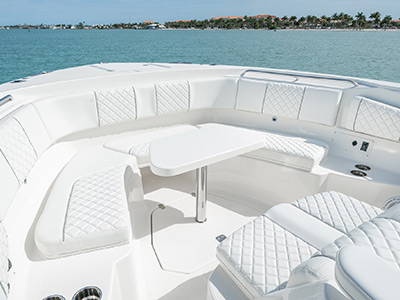 Detail of center console S 378 luxury bow seating with removable table.
