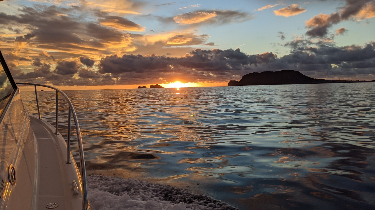 Sunrise in Kailua Hawaii on a Pursuit Offshore boat
